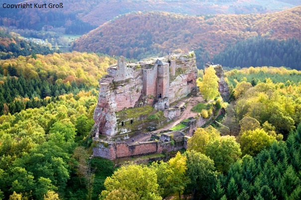 Vue aérienne du Château de Fleckenstein.
