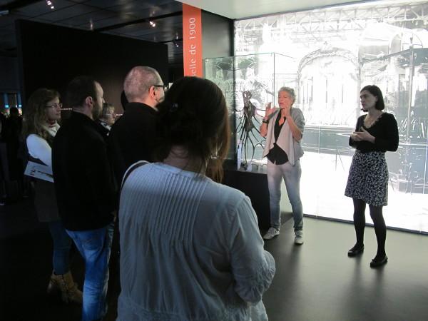 Visite du Musée Lalique avec un guide et une interprète en langue des signes.