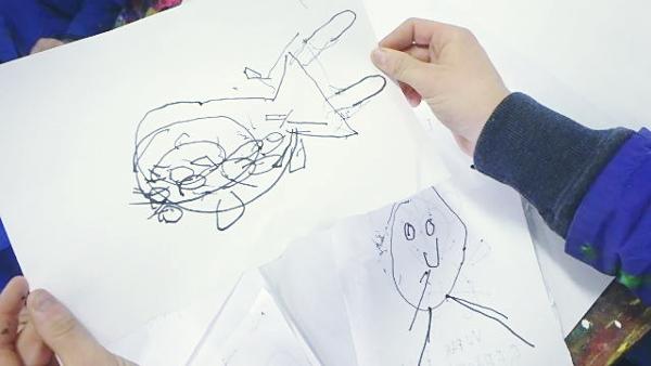 Réalisation des patients de l'APAEIIE d'Ingwiller, lors d'un atelier créatif sollicitant le cerveau droit, animé par Claire Guerry artiste plasticienne.