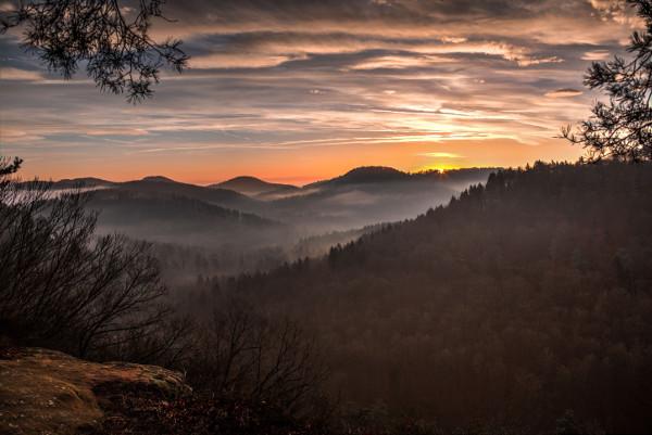 Les Vosges du Nord au crépuscule.